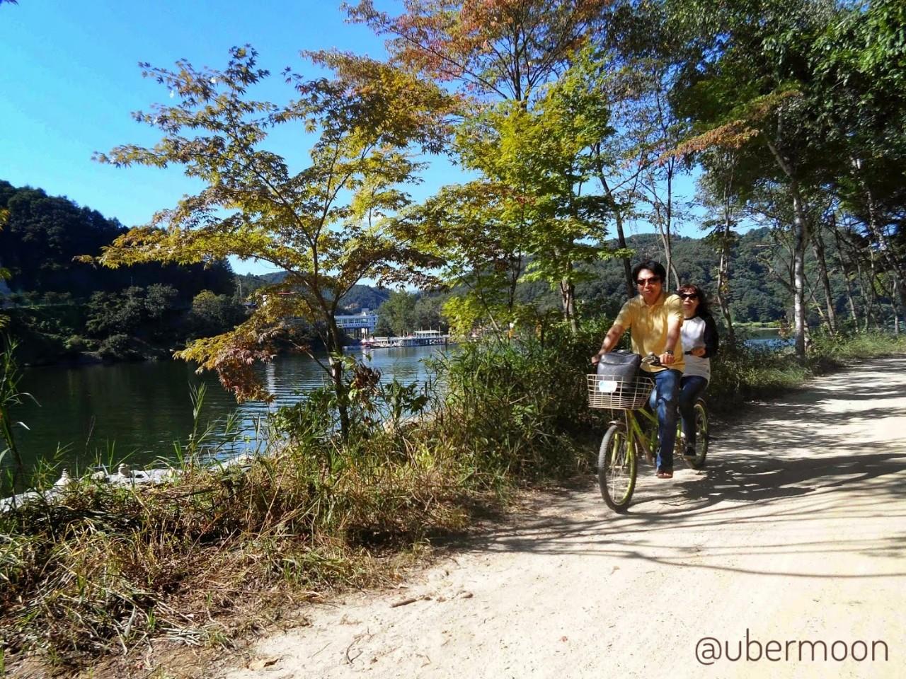Sepedaan di Nami Island