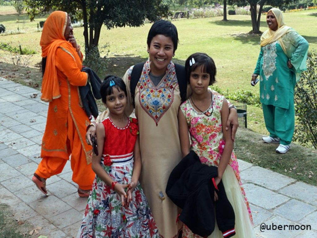 Ajakan foto bareng jalan jalan ke India