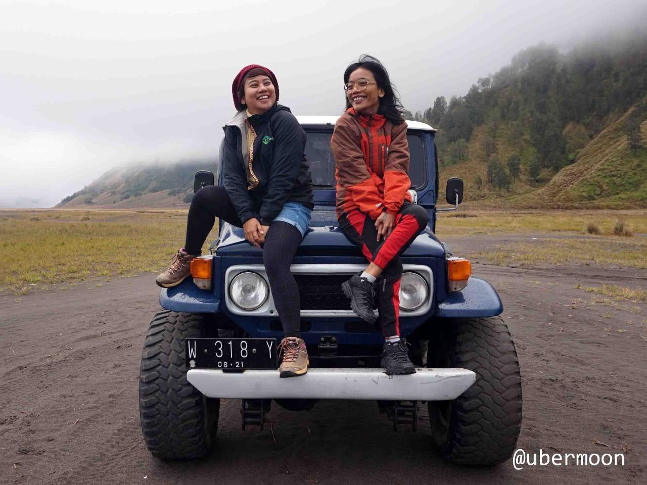 Naik Jeep di Bromo