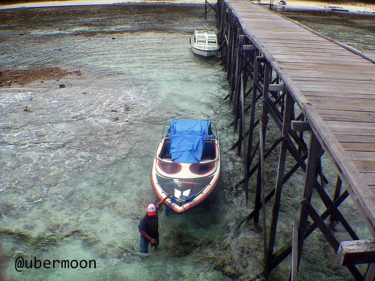 Speedboat di Kepulauan Derawan
