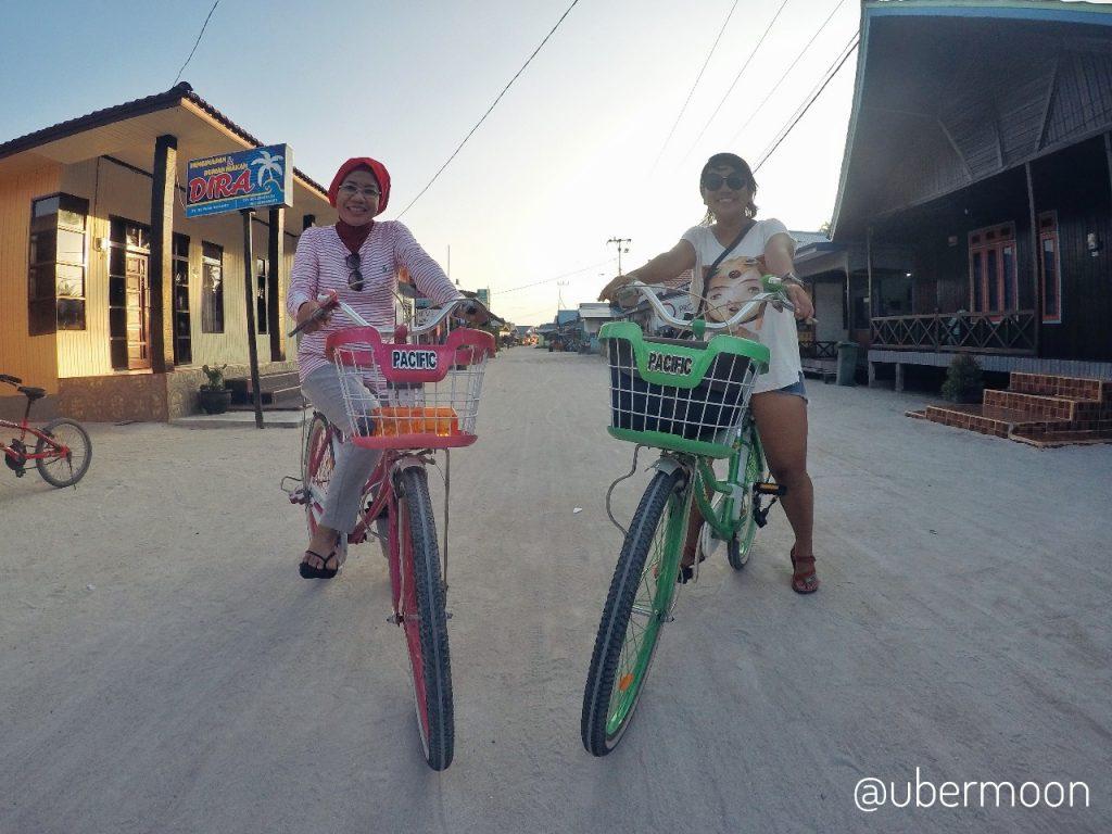Bersepeda di Pulau Derawan