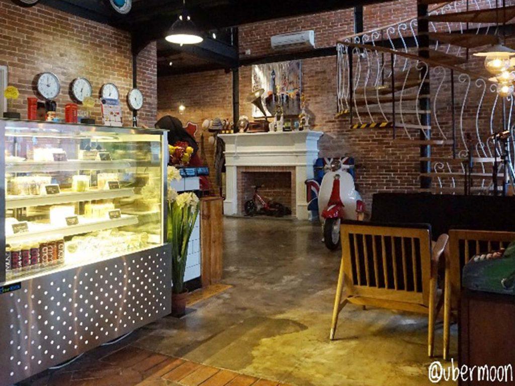 Interior Brick Cafe Jogja