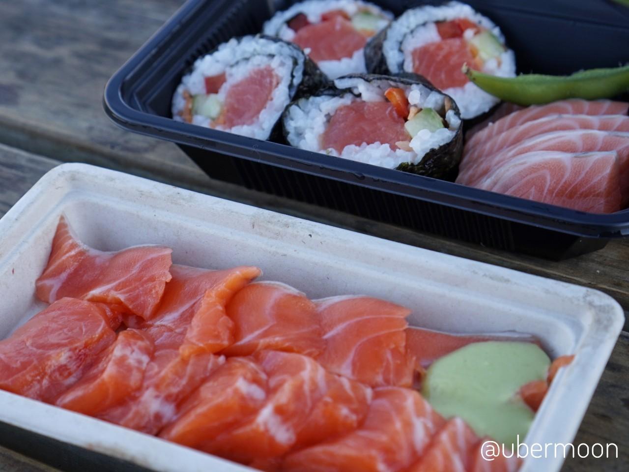 Salmon Sashimi dan Bento Box